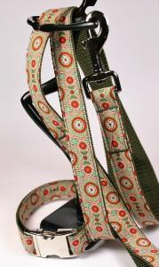 Grün gemustertes Set (Leine und Halsband) aus Gurtband und Baumwollstoff mit Blumenprint