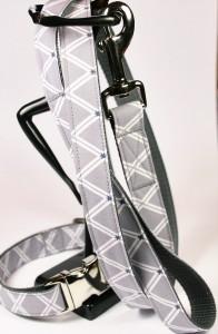 Graues Set (Leine und Halsband) aus Gurtband und Baumwollstoff mit Sternenmotiv