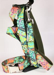 Grün-orange gemustertes Set (Leine und Halsband) aus Gurtband und Baumwollstoff mit plakativem Blumen-Blätter-Print