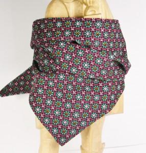 Halstuch aus buntem Cordstoff