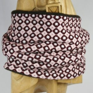 Loop-Schal mit rosa-auberinefarbenem Blümchenprint