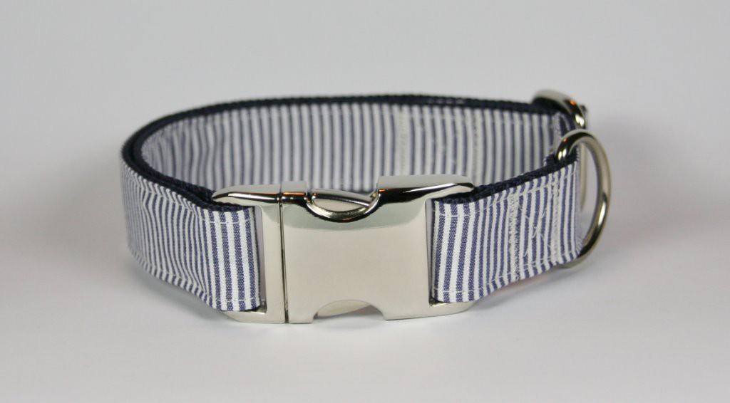 Blau-weiß gestreiftes Halsband aus Gurtband und Baumwollstoff