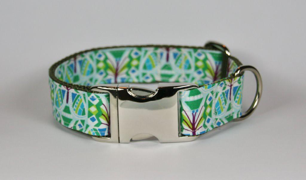 Grün-gemustertes Halsband aus Gurtband und Baumwollstoff