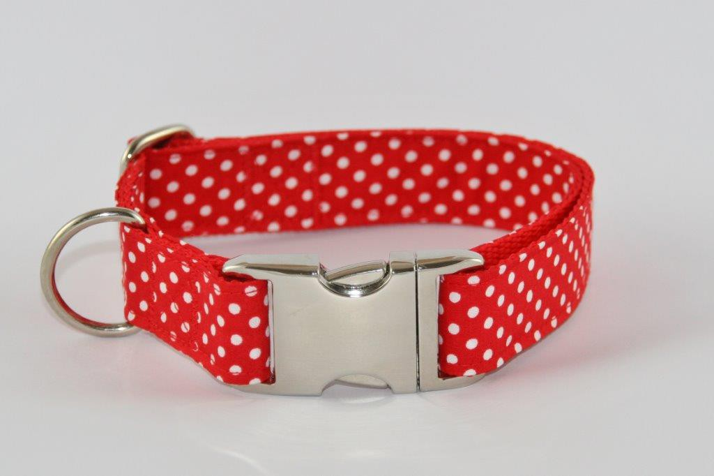 Rot-weiß getupftes Halsband aus Gurtband und Baumwollstoff