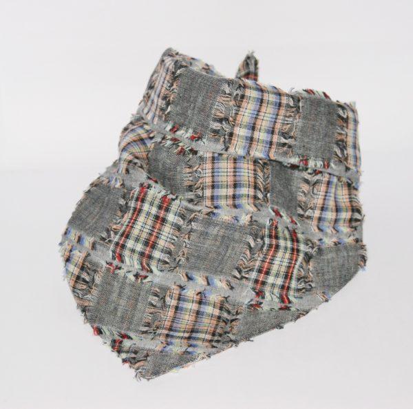 Hundehalstuch mit Patchwork Muster ist in zwei Größen erhältlich!