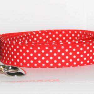 Hundeleine Purpur rot, handgefertigt, mit weißen Punkten