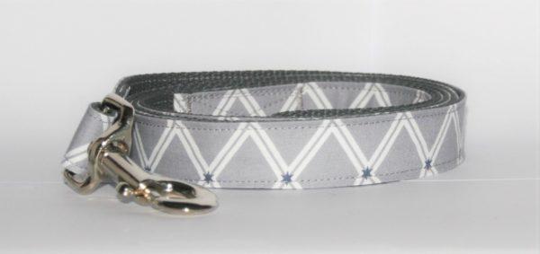 Hundeleine grau Wall mit X-Muster in weiß