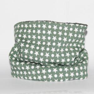 Loop-Schal grün mit hellen Sternen und Punkten - so ist Ihr Hund gut angezogen!