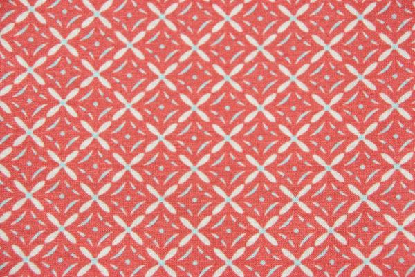 Rot-weiß gemusterter Loop-Schal: Detail Stoff