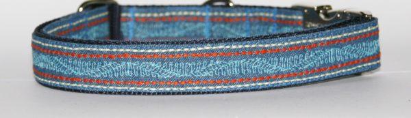 Hundehalsband Jeans India in Nahaufnahme