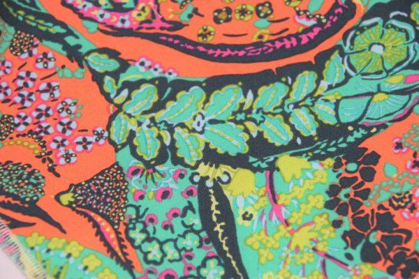 Stoff Hundehalstuch Flora grün, orange in Nahaufnahme!