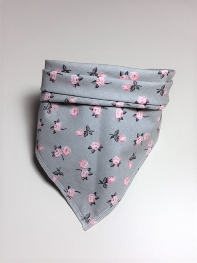Halstuch Hund grau mit rosa Rosen – ein lässig-pfiffiges Accessoire für Ihren Hund